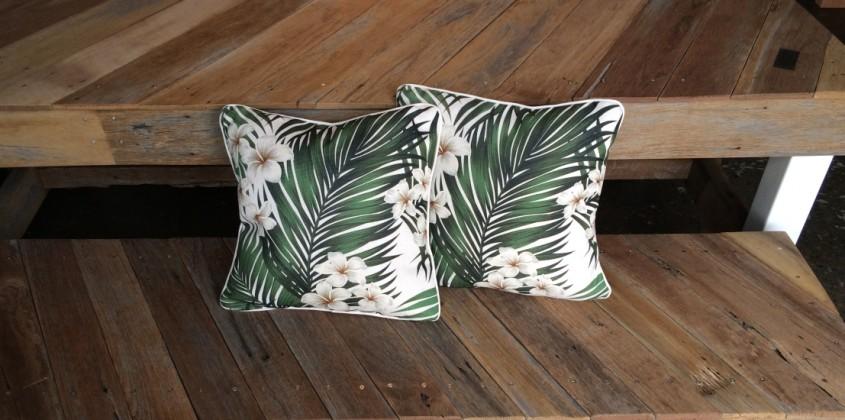 Sanctuary Outdoor Cushion – Frangipani 1