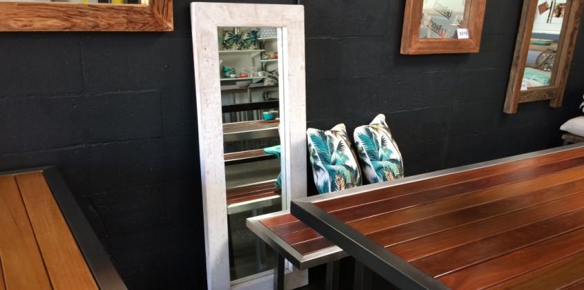 White mirror 1