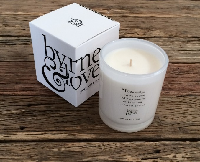 Coconut & Lime Scented Soy Candle – large